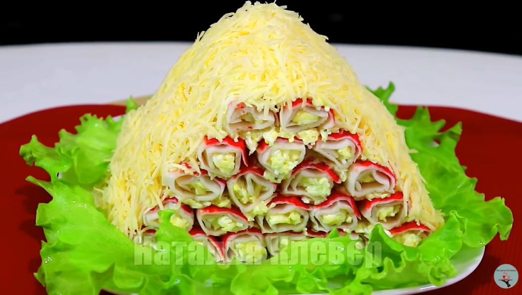 «Соломенная избушка» – салат-торт, который украсит любой стол
