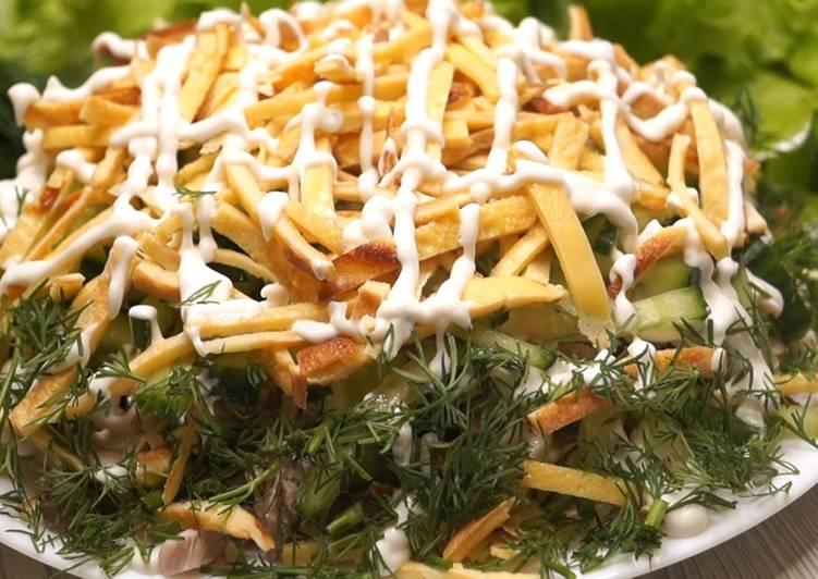 Сытный и яркий салат «Соломка», покорит всех гостей!